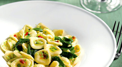 typical Apulian must-have dishes -orecchiette