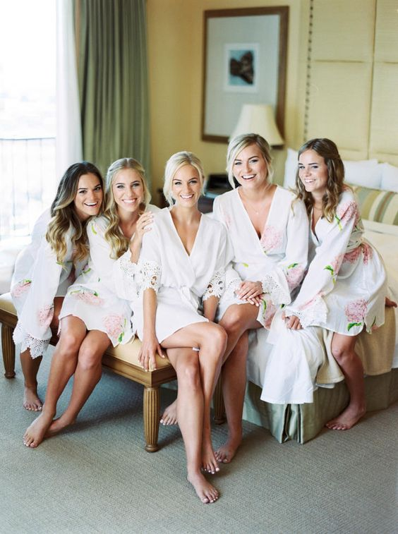 robes as gifts for bridesmaids