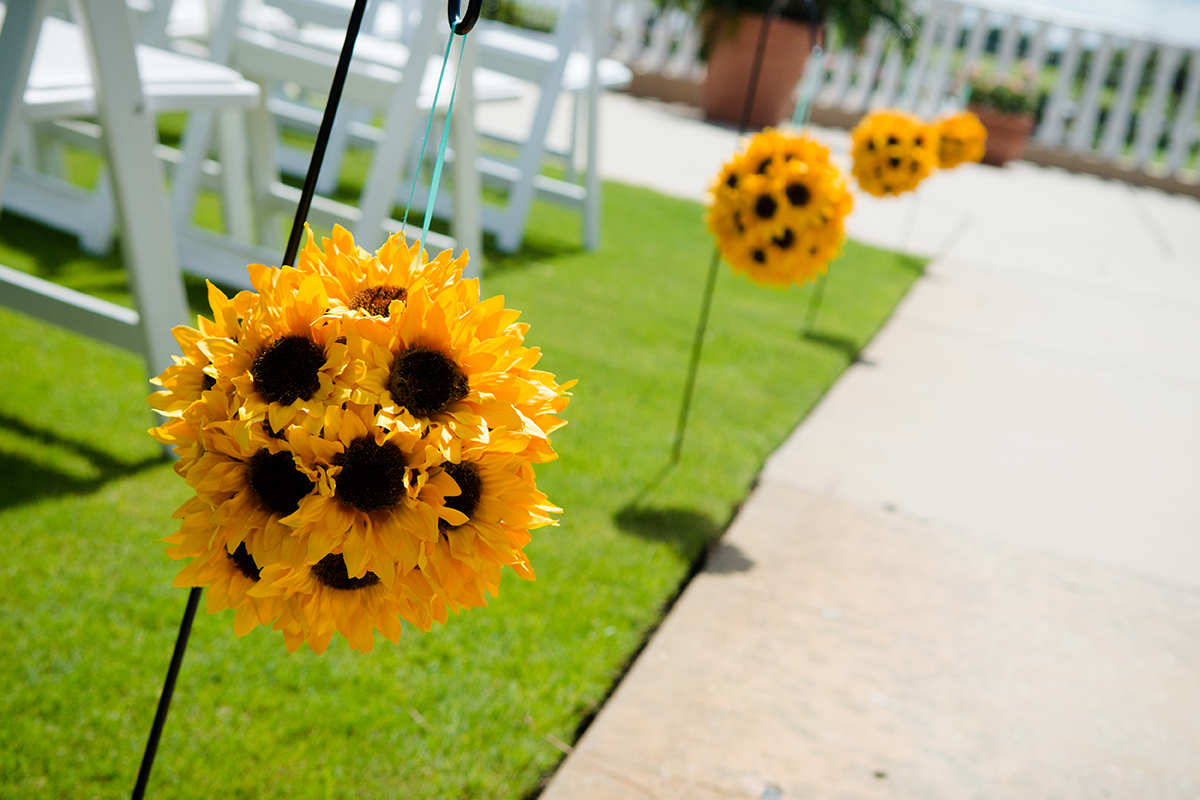 Sunflower Wedding Ideas For An Amazing Country Wedding